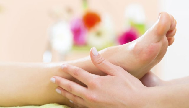 10 Best Home Remedies for Foot Corn and Calluses